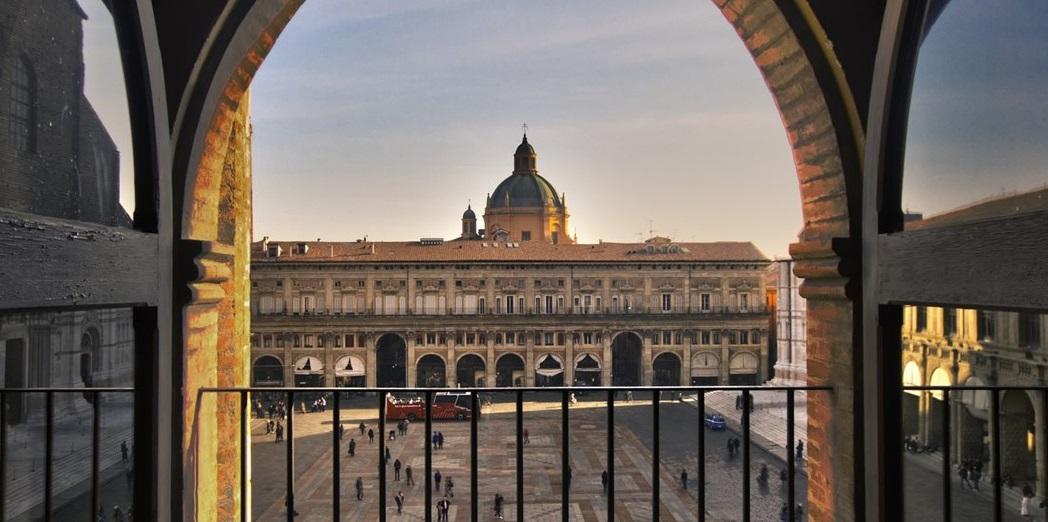 Bologna, porta d'accesso e destinazione